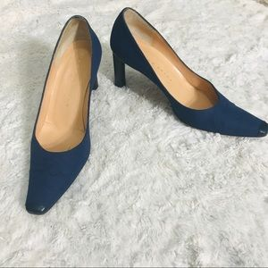 Richard Tyler Navy Pointed Toe Leather Tip Heels 6